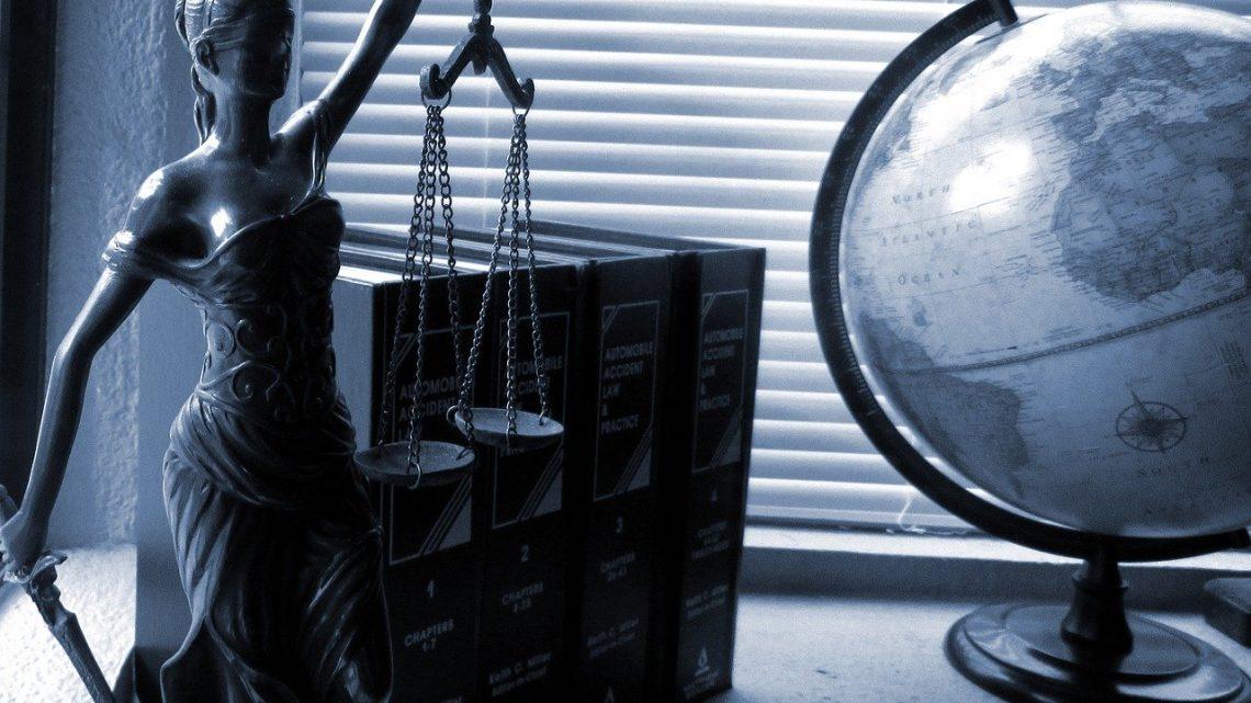 Comment procède un avocat en ligne ?