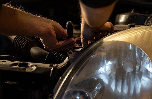 Prendre en main l'entretien de sa voiture seule !
